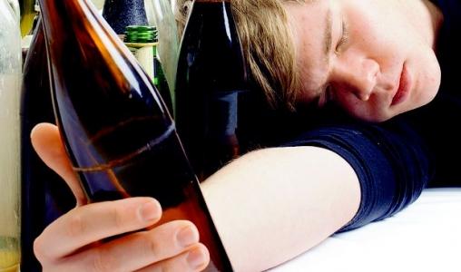 Estudo alarmante aponta que consumo de álcool começa aos 10 anos no Brasil