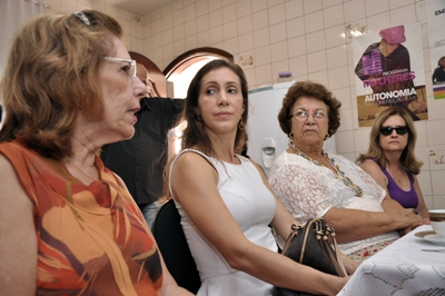 Delegada Maria Madalena Carnevale Alves Tomelin fala sobre ações de enfrentamento a violência doméstica (Foto: Pref. Volta Redonda)